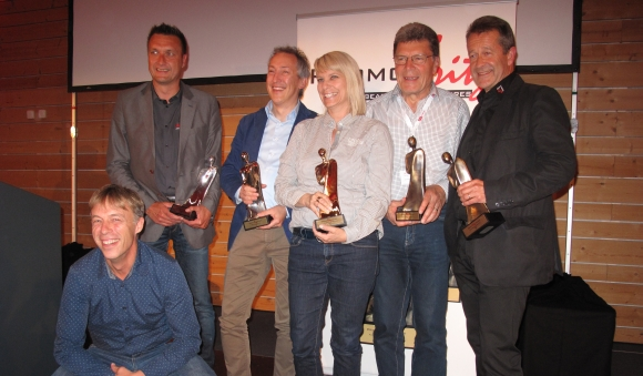The winners of the PromoFritz Award 2015 (f.t.l.): Robert Scheidegger (E7 Promotion), Jörg Sons (Schärfer Werben), Tobias Köckert (Mahlwerck Porzellan), Dominique Magnin (Lacoray® by comTeam), Herbert Heuscher (Hervorragend), Beat Nolze (cadolino® by comTeam). Not shown in the picture: Oliver Kuntze (Meterex Karl Kuntze).