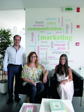 F.t.l.: The shareholders Ricardo Jorge and Eugenia Flamino with Sourcing Manager, Filipa Costa.