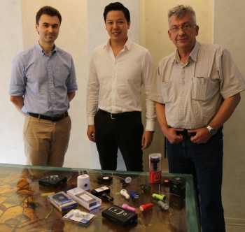 F.t.l.: Maksim Makarov (Project 111), James Ung (BrandCharger) and Yura Khanin (Project 111).