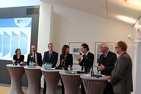 Podium discussion on the tax problems. F.t.l.: Dr. Janine von Wolfersdorff, Ronald Eckert, Michael Pleines, Dr. Tanja Wiebe, Olav Gutting, Lothar Binding and Josef Bösl.