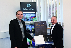 The Executive Director Frank Groß (l.) and the Sales Director of the Promotional Product Department, Klaus Broghammer.