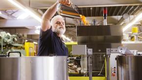 Maschinenführer Kunststoff Verarbeitung - Innique AG: Thirsty for Innovation