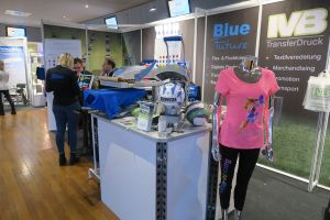 HSV Merchandising Messe 2017 03 - HSV Merchandising Show: Atmosphere full of expectation