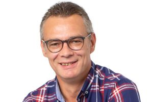 frank krueger reflects v - Reflects: Reorganisation of the customer service