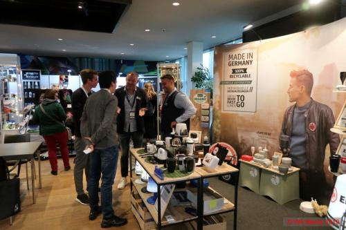 HSV Merchandising Messe Hamburg 04 DCE