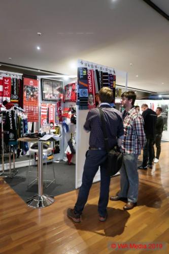 HSV Merchandising Messe Hamburg 10 DCE